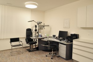 Aerztehaus-Balsthal-Behandlungsraum-Augenarzt