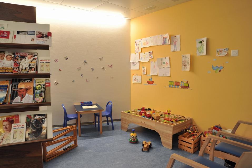 Aerztehaus-Balsthal-Wartezimmer-Spielecke