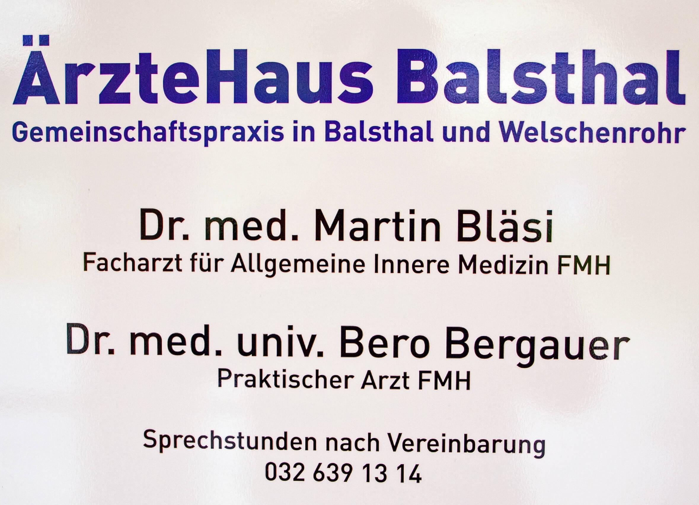 Aerztehaus-Welschenrohr-Schild