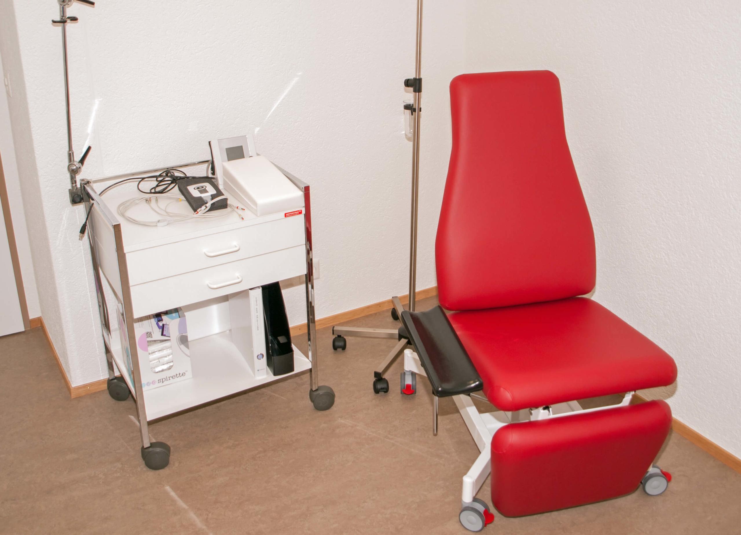Aerztehaus-Welschenrohr-Behandlungszimmer